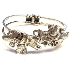 Interlocking Elephants Hinged Bangle Bracelet